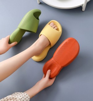 Women Ultra-Soft Slippers Thick Soled Shoes